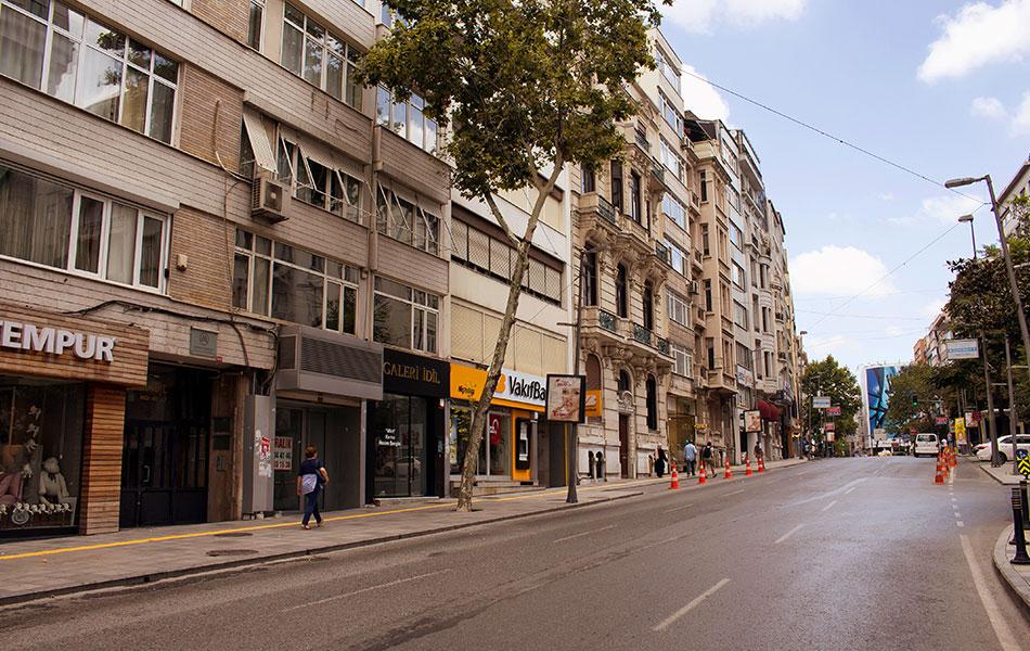 İstanbul Vali Konağı Caddesi