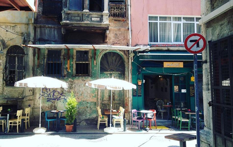 Maide Cafe, Balat