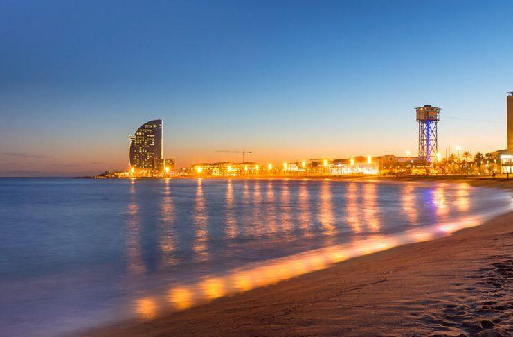 Barselona Denize Girilecek Yerler