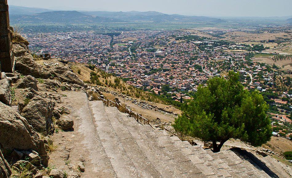İzmir Bergama Gezilecek Yerler